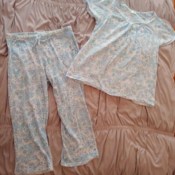Aria Intimates Sleepwear Collection Gently Worn Paisley Pajama